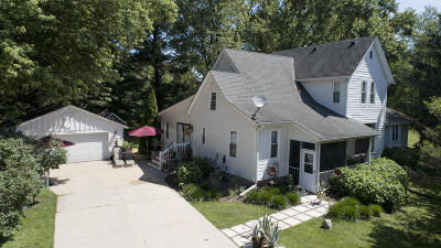 Mukwonago Single Family Home For Sale: S103w33898 County Road Lo