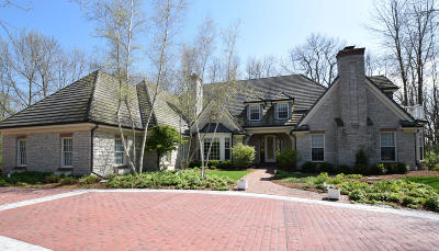 Mequon Single Family Home For Sale: 11908 N Wilderness Ct