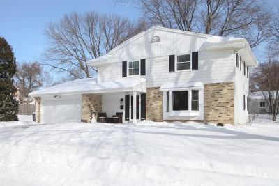 Cedarburg Single Family Home Active Contingent With Offer: W56n818 Meadow Ln