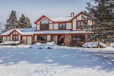 Ozaukee County Single Family Home For Sale: 10144 N Concord Dr