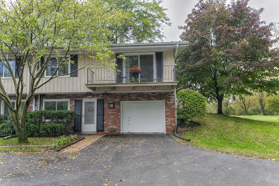 Ozaukee County Condo/Townhouse Active Contingent With Offer: 12975 N Colony Dr