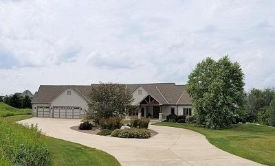 Cedarburg Single Family Home For Sale: 10788 Cedar Creek Rd