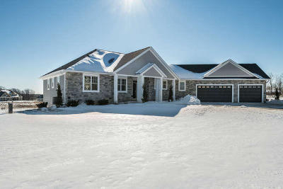Town Richfield, Village Richfield, Hubertus, Colgate Single Family Home For Sale: 3977 Timber Stone Ct
