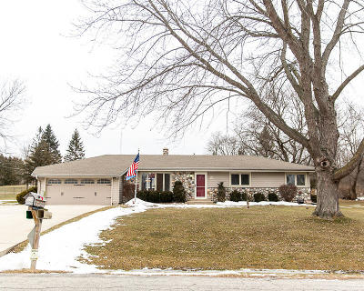 Menomonee Falls Single Family Home Active Contingent With Offer: N71w17056 Antler Dr