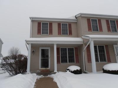 Waukesha Condo/Townhouse Active Contingent With Offer: 2000 Cliff Alex Ct S #A