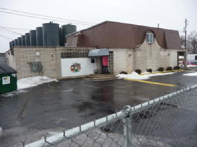 Milwaukee Commercial For Sale: 4861 N Teutonia Ave