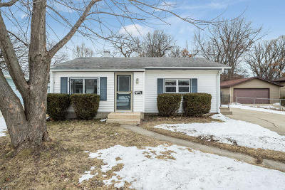 Kenosha Single Family Home Active Contingent With Offer: 1918 84th St
