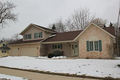 Milwaukee Single Family Home Active Contingent With Offer: 6145 S 23rd St