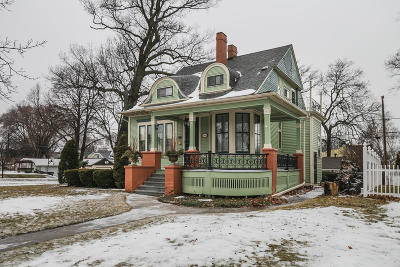 Single Family Home For Sale: 3806 E Van Norman Ave