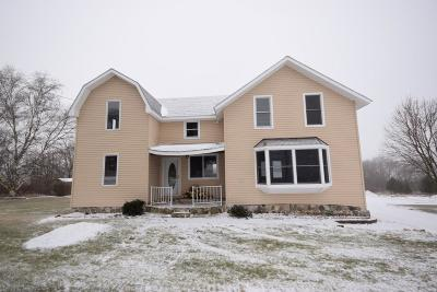 West Bend Single Family Home For Sale: 5339 Beaver Dam Rd