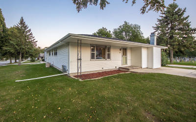 Sheboygan Single Family Home For Sale: 3939 S 12th