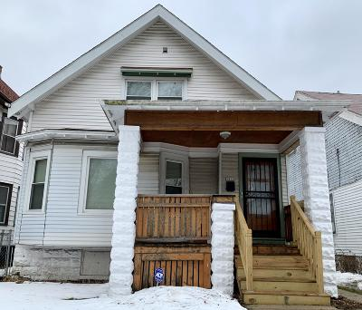 Milwaukee Single Family Home For Sale: 3442 N 14th St