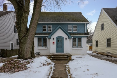Milwaukee County Single Family Home For Sale: 5939 N Shoreland Ave