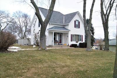 West Bend Single Family Home Active Contingent With Offer: 638 School Pl