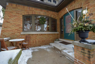 Milwaukee County Single Family Home For Sale: 3151 S Logan Ave