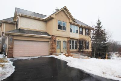 Franklin WI Condo/Townhouse Active Contingent With Offer: $289,900