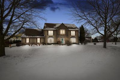 Port Washington Single Family Home For Sale: 1375 Spinnaker Dr