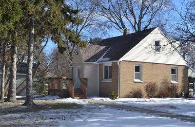 Hales Corners Single Family Home Active Contingent With Offer: 5130 S 113th St