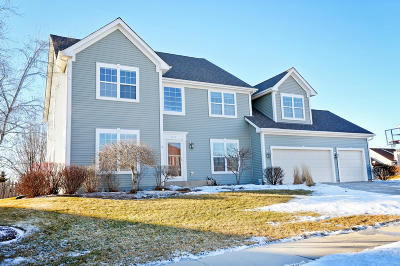 Grafton Single Family Home Active Contingent With Offer: 1975 Pawnee Dr