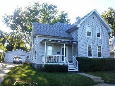 Watertown Single Family Home For Sale: 416 N Water St