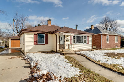 Kenosha Single Family Home Active Contingent With Offer: 7531 38th Ave
