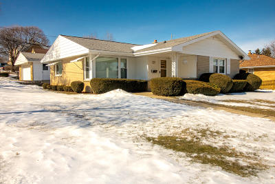 West Allis Single Family Home Active Contingent With Offer: 2541 S 91st
