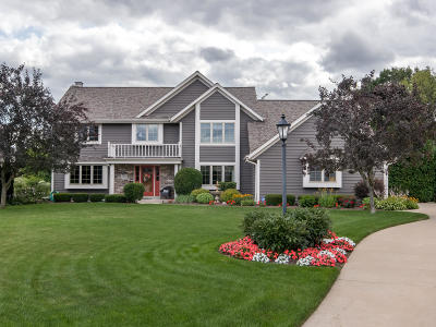 Waukesha County Single Family Home Active Contingent With Offer: 4975 S Holly Ct
