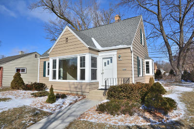 Milwaukee Single Family Home Active Contingent With Offer: 8200 W Burleigh St