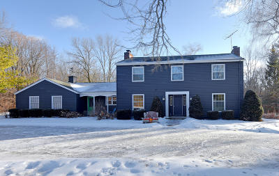 Cedarburg Single Family Home Active Contingent With Offer: 10635 W Foxcroft Dr