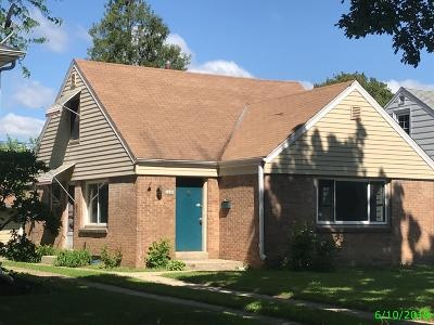 Wauwatosa Single Family Home For Sale: 2469 N 82nd St