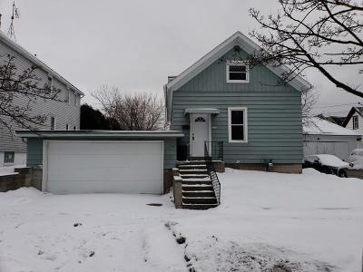 Sheboygan Single Family Home Active Contingent With Offer: 1512 S 11th St