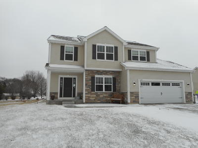 Jackson WI Single Family Home Active Contingent With Offer: $329,900