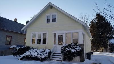 Kenosha Single Family Home Active Contingent With Offer: 7414 16th Ave