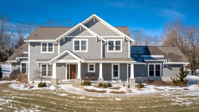 Waukesha County Single Family Home Active Contingent With Offer: W275n4047 Ishnala Trl