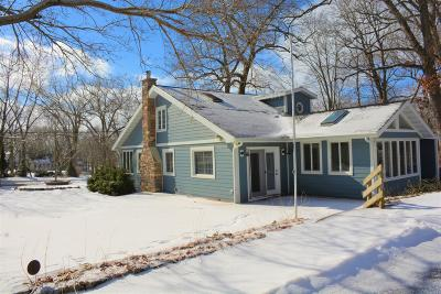 Williams Bay Single Family Home For Sale: 117 Cedar Point Dr