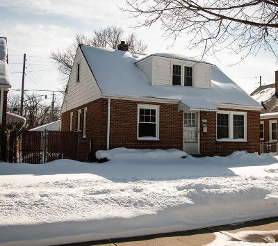 Milwaukee County Single Family Home For Sale: 1021 E Ohio Ave