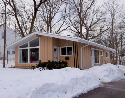 Hales Corners WI Single Family Home For Sale: $174,900