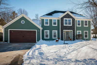 West Bend Single Family Home For Sale: 3987 Margolis Dr
