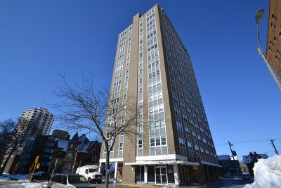 Milwaukee County Condo/Townhouse For Sale: 1707 N Prospect Ave #4D
