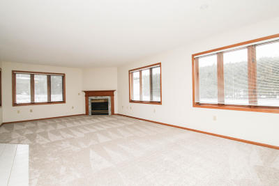 Hartford Condo/Townhouse Active Contingent With Offer: 318 Hartford Sq