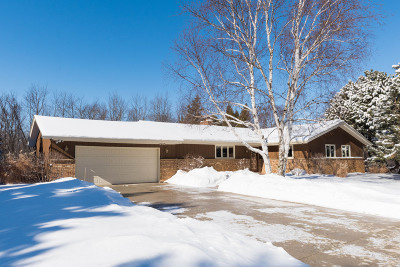 Ozaukee County Single Family Home For Sale: 1303 Trailway Dr
