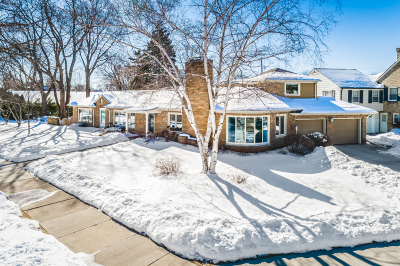 Whitefish Bay WI Single Family Home For Sale: $895,000