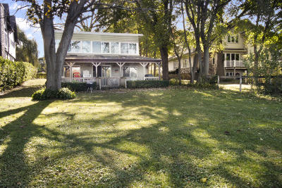 Kenosha County Single Family Home For Sale: 9060 Lake Park Dr