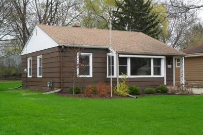 Wauwatosa Single Family Home For Sale: 4248 N 95th St