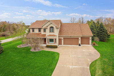 Sheboygan Single Family Home For Sale: 4699 S Fields Cir