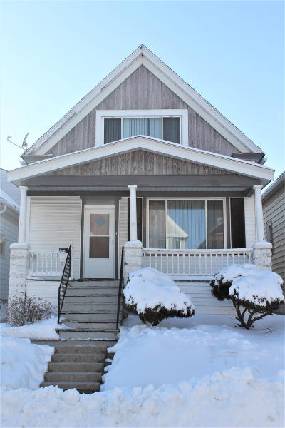 Milwaukee Single Family Home For Sale: 2969 S 10th