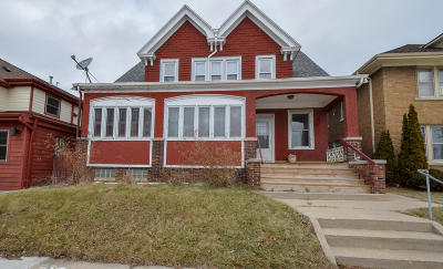 Milwaukee County Multi Family Home For Sale: 3546 E Layton Ave