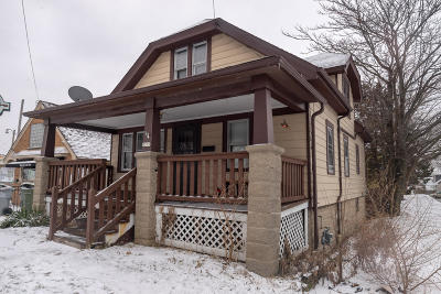 Milwaukee Single Family Home For Sale: 3575 S Howell Ave