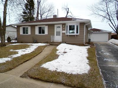 Kenosha Single Family Home For Sale: 8625 15th Ave