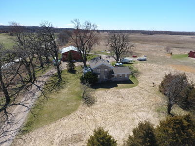 Dousman Single Family Home For Sale: 117 Highway D
